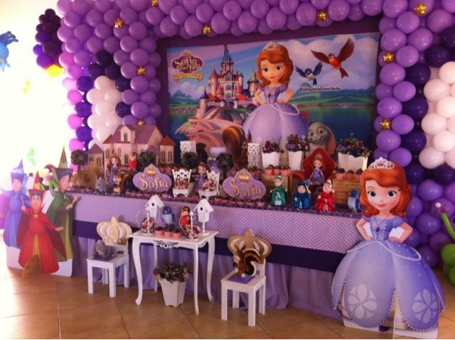 Decoracion fiesta de princesita sofia curso de for Fotografia cuadros decoracion
