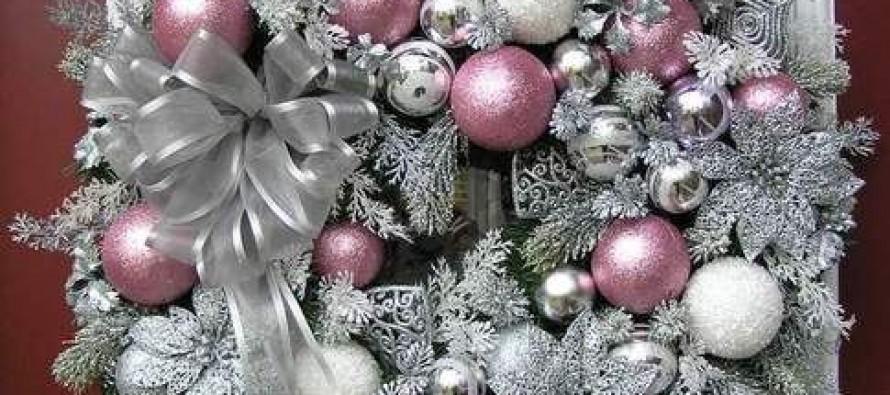 Decoracion de navidad plata con rosa curso de - Decoraciones en color plata ...