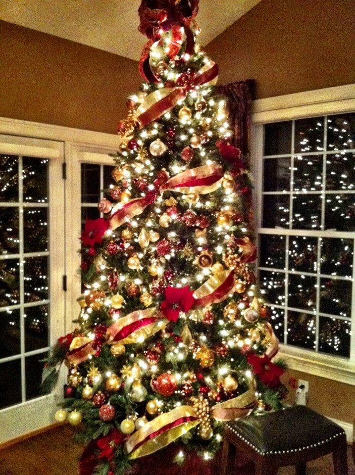 Decoracion navidad rojo con dorado 15 curso de for Decoracion del hogar navidad 2015