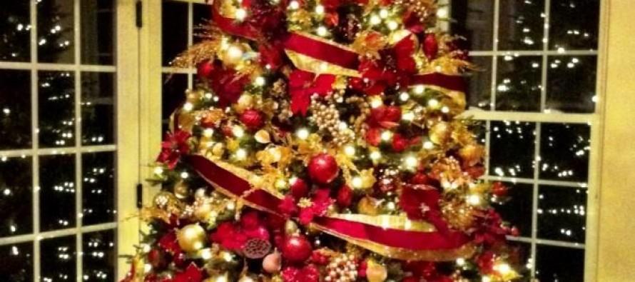 decoracion de navidad rojo con dorado