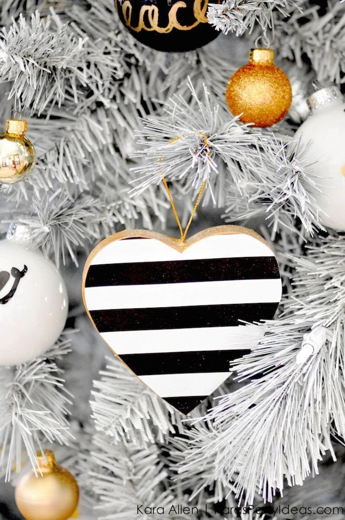 Ideas para decoracion de navidad blanco y negro 18 for Decoracion del hogar navidad 2015