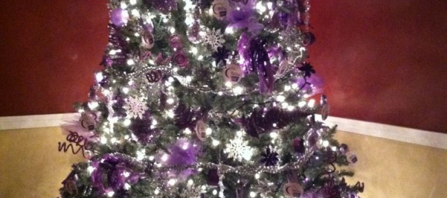 Decoracion de navidada plata con morado