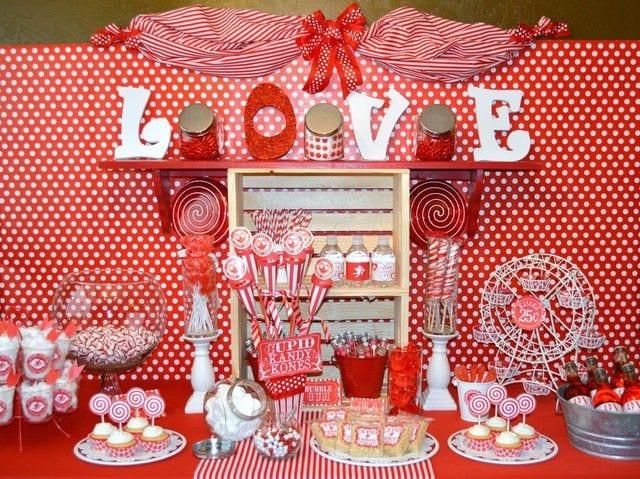 Mesas de postres de san valentin curso de organizacion for Decoracion mesa san valentin