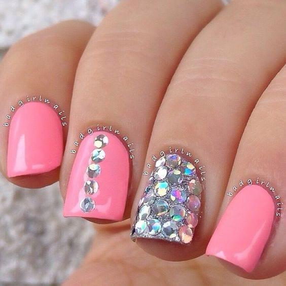 uñas rosa pastel decoradas