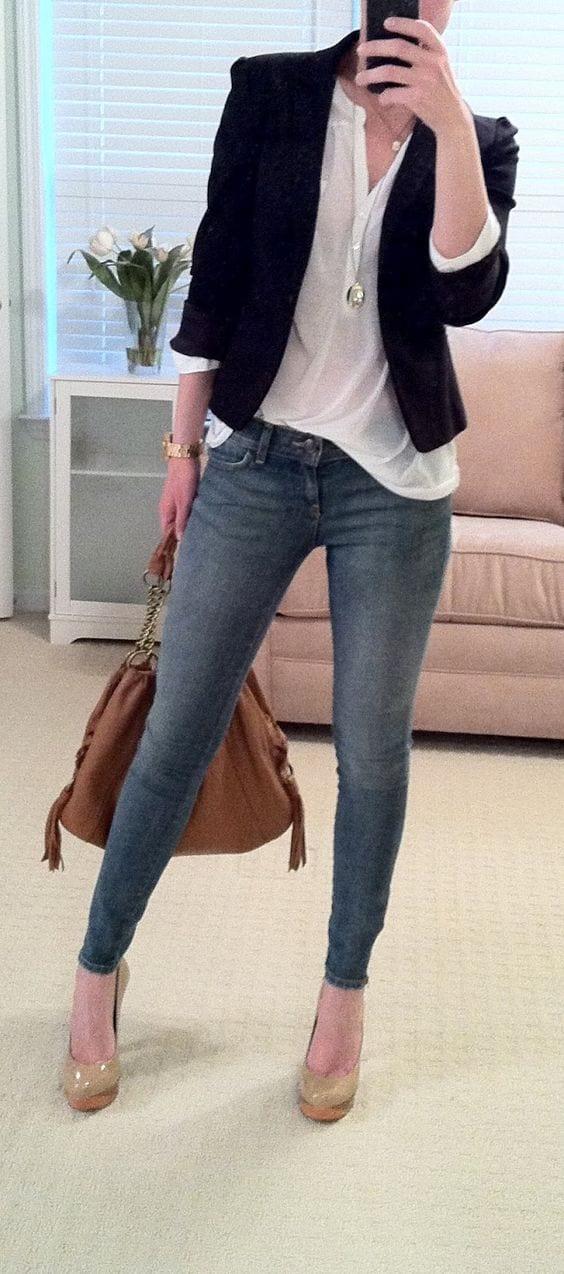 Outfit de jeans con blusa blanca (22) - Curso de Organizacion del hogar y Decoracion de Interiores