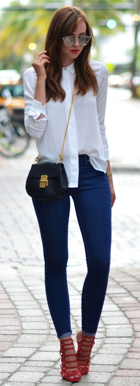 Jeans White Shirt + Red Heels - Curso de Organizacion del hogar y Decoracion de Interiores