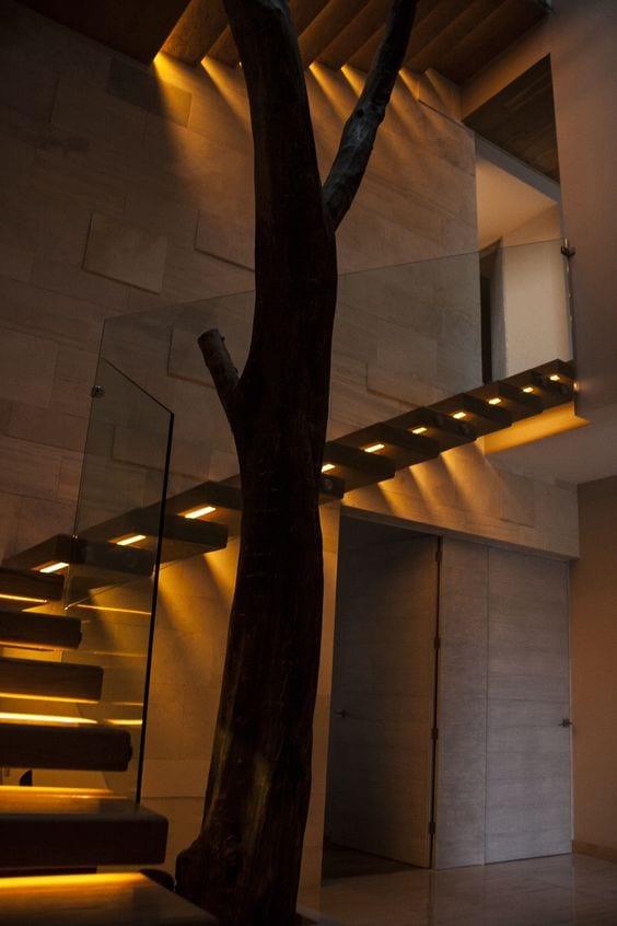20 ideas para iluminar tu casa 18 curso de for Iluminacion escaleras interiores