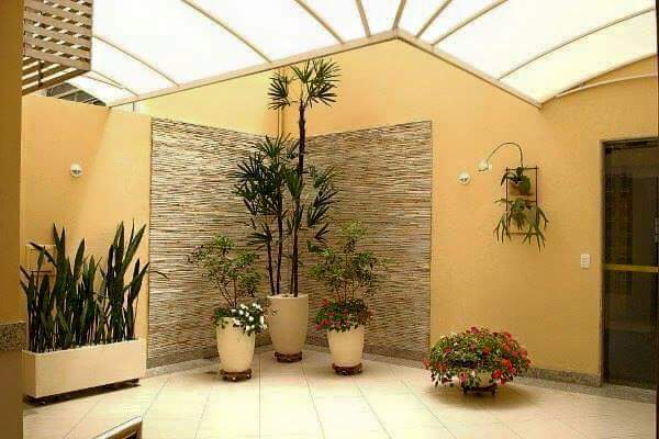 Ideas para jardines peque os con piedra 12 curso de for Decoracion de patios pequenos con plantas