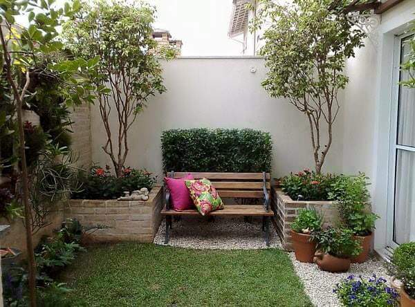 Ideas para jardines peque os con piedra 29 curso de for Ideas para decorar patios muy pequenos