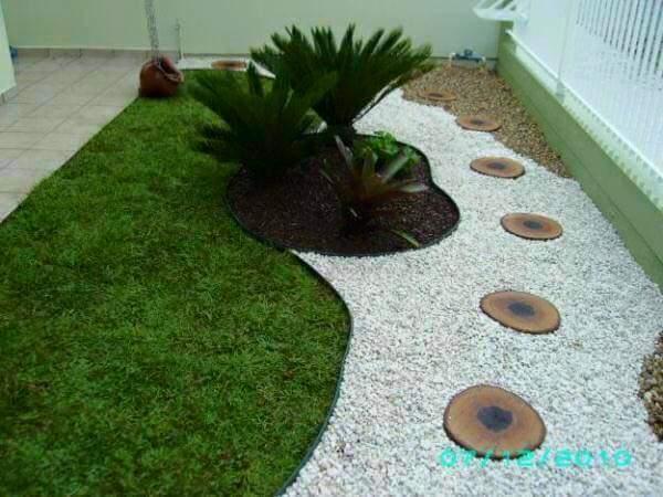 Ideas para jardines peque os con piedra 3 curso de for Decoracion de jardines con piedras y madera