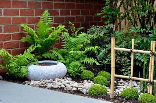 Ideas para jardines pequenos con piedra for Adornos metalicos para jardin
