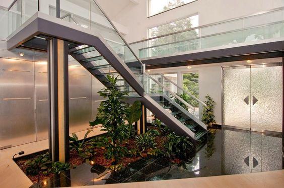 Jardines interiores bajo escaleras 11 curso de for Jardin interior bajo escalera