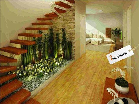 Jardines interiores bajo escaleras 17 curso de for Decoracion debajo escaleras