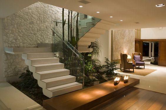 Jardines interiores bajo escaleras 19 curso de - Escaleras modernas interiores ...