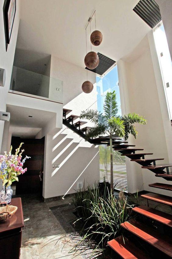 Ba o con jardin interior - Jardines interiores en casas modernas ...