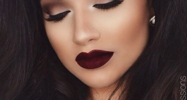 Makeup dark lips