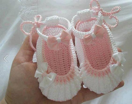 Zapatitos para bebe ni a 6 curso de organizacion del for Decoracion del hogar con crochet