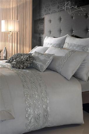 Ideas para decorar tu cama con cojines 14 curso de - Decorar cama con cojines ...