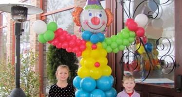 Decoracion de fiesta payasos con globos