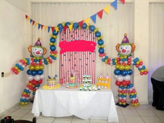 Decoracion de fiesta payasos con globos 4 curso de for Puertas decoradas con payasos