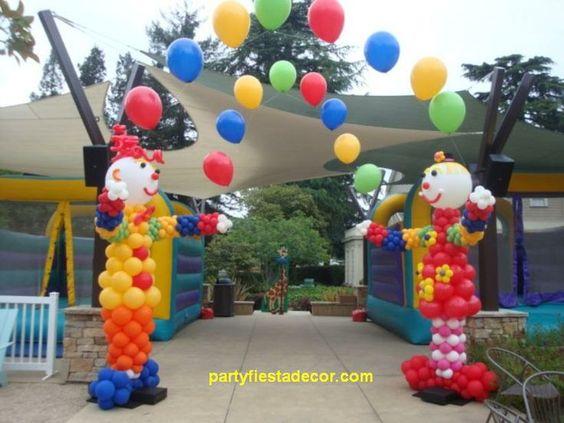 Decoracion de fiesta payasos con globos 6 curso de for Puertas decoradas con payasos