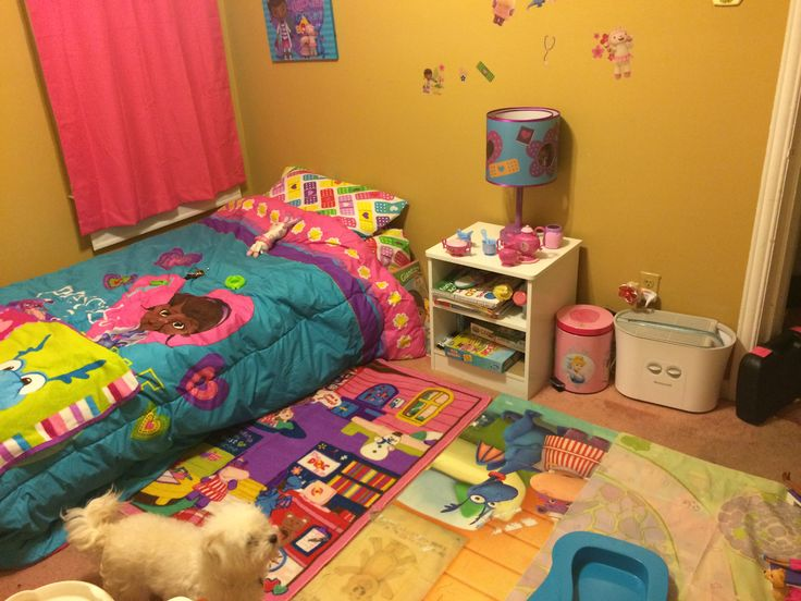 Decoracion para habitacion de ni a de doctora juguetes 32 - Habitaciones de juguetes ...