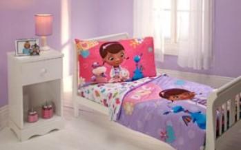 Decoracion para habitacion de niña de Doctora juguetes