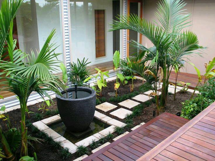 Ideas de jardines y patios interiores curso de - Fuentes de patio ...