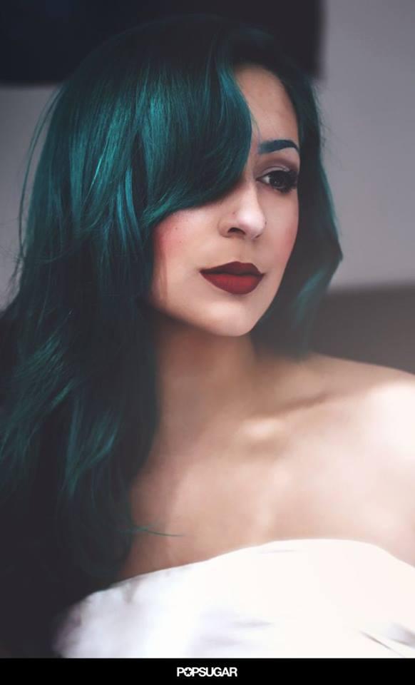 Verde oscuro en cabello