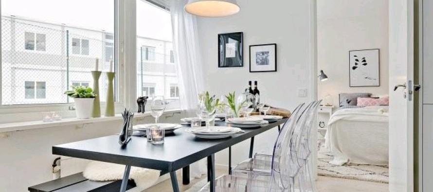 Como usar sillas de acrilico transparente en tu hogar