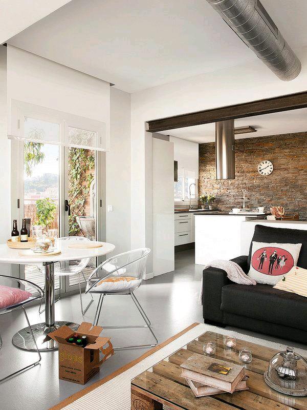 Como usar sillas de acrilico transparente en tu hogar 23 for Sillas de acrilico