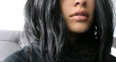 Ideas de cabello negro para resaltar tus facciones