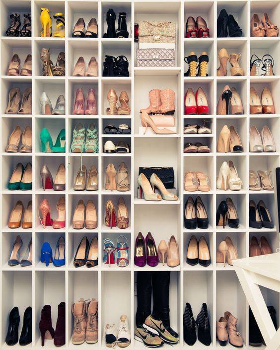 Ideas para organizar tus zapatos en el closet 26 curso for Muebles modernos para guardar zapatos