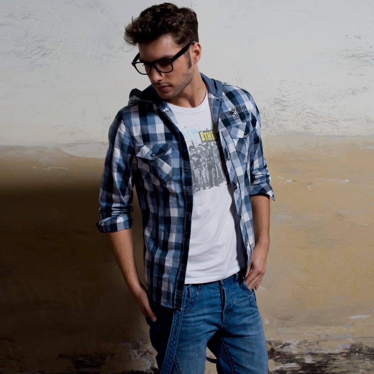 Combinar camisa de cuadros azul hombre