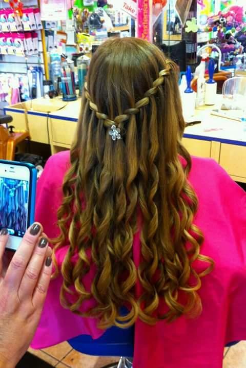 En una tendencia ascendente peinados comunion Colección de tendencias de color de pelo - Peinados para primera comunion (9)   Curso de Organizacion ...