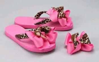 Sandalias para niña decoradas con listones