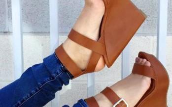 Tendencia en sandalia de plataforma