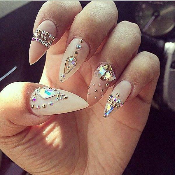 92969128b72a Hermosas decoraciones de pedrería para uñas - para muchas ocasiones ...