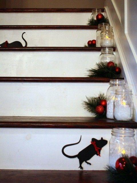 Ideas para decorar las escaleras esta navidad 2016 2017 for Escaleras de adorno