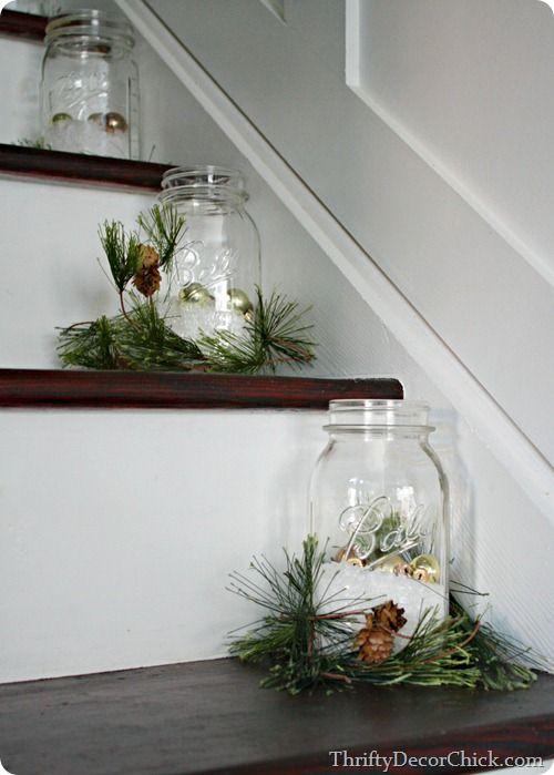 Ideas para decorar las escaleras esta navidad 2016 2017 4 for Decorar hogar 2016