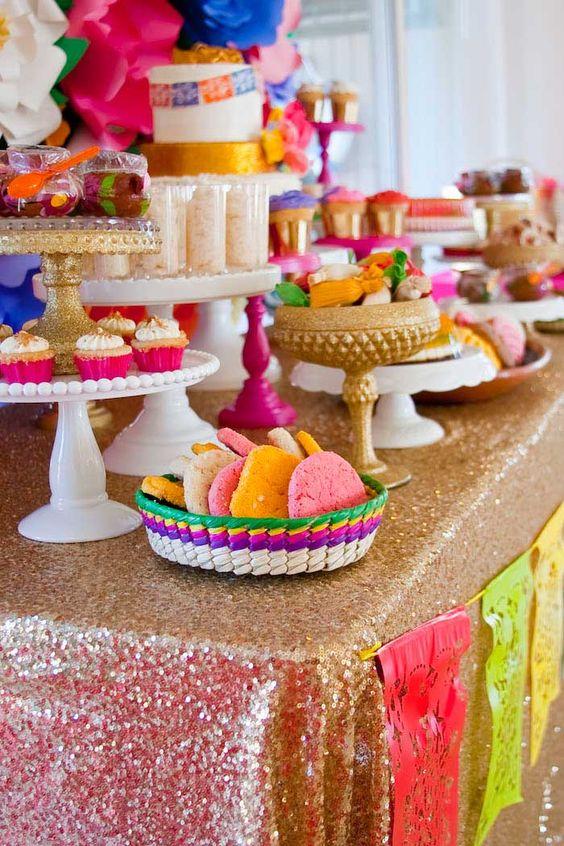 Ideas para una fiesta tematica mexicana 21 curso de for Decoracion y organizacion del hogar