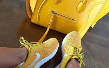 Zapatos de moda en color amarillo