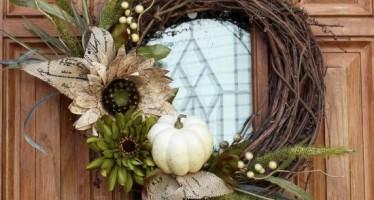 Decora tu puerta en otoño con estas ideas