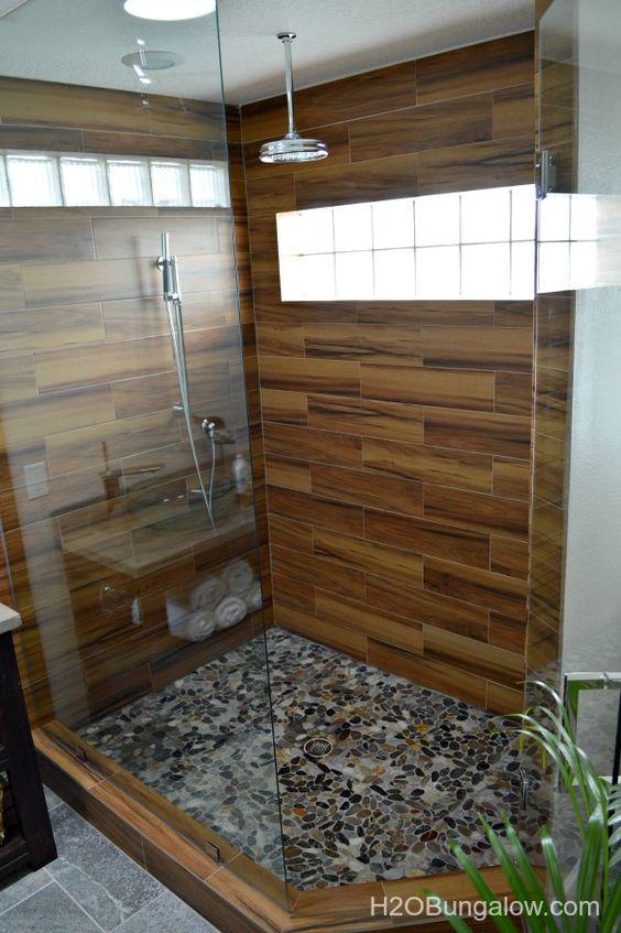 Decoracion de baños con detalles de madera