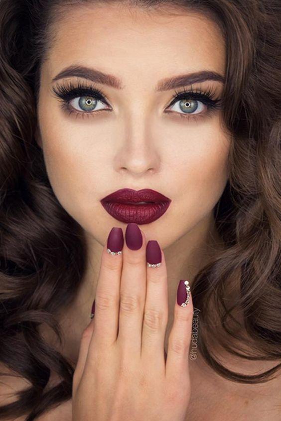 Maquillaje Con Labios Color Vino Curso De Organizacion Del