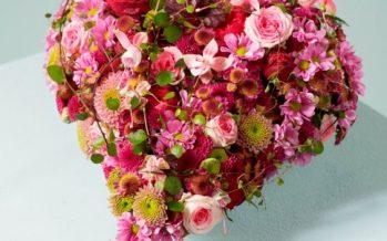 Arreglos florales en forma de corazón