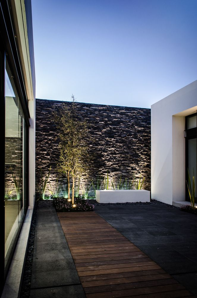 Diseno y decoracion de exteriores modernos 42 curso de for Casa minimalista rustica