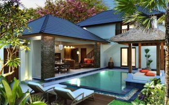 Fachadas de casa con alberca