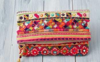 Hermosa tendencia en bolsos de mano bordados