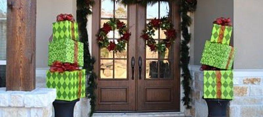 Ideas para decorar tu puerta de navidad curso de for Puertas recicladas para decorar